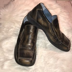 ROBERT WAYNE ROCKER BROWN DISTRESS LOAFER SHOES 9